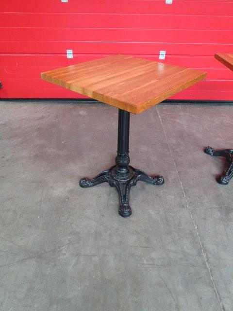 Tables pieds de paris en fonte avec tablette ch ne lamell - Pieds de table en fonte ...